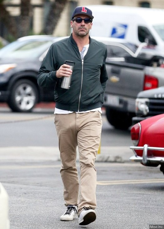news-00109145-jon-hamm-goes-commando-again-in-la
